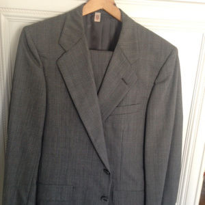 Men's suit by Hickey-Freeman  Size 40S Brand New